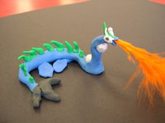 Mini-Dragons - like the feathers for fire! Maybe I could do a paper mache dragon and then add the feathers later? Clay Projects For Kids, School Art Projects, Sculpture Lessons, Sculpture Art, 3d Art, Model Magic, 4th Grade Art, Clay Dragon, Plasticine