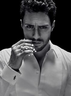 Givenchy unveils its newest fragrance campaign with brand ambassador, Aaron Taylor-Johnson. The English actor represents the modern man of Gentleman Givenchy. Perfumes Givenchy, Givenchy Beauty, Aaron Johnson Taylor, Aaron Taylor Johnson Shirtless, Aaron Taylor Johnson Quicksilver, Gentleman Givenchy, Gentleman Fashion, New Fragrances, Attractive Men