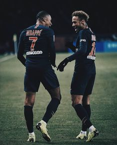 Image may contain: 1 person, playing a sport and outdoor Neymar Psg, Cristiano Ronaldo Lionel Messi, Football Players Images, Soccer Players, Neymar Jr Wallpapers, Paris Saint Germain Fc, Messi Gif, Barcelona Soccer, Fc Barcelona