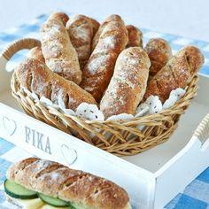 Matiga och nyttiga bröd med massor av frön. Annie Sloan, Yorkshire, Graham, Green Texture, Our Daily Bread, Marzipan, Overnight Oats, Bread Baking, I Love Food