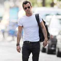 Justin Theroux: Nüchterner Bräutigam Justin Theroux, Hollywood Stars, Urban Outfits, Casual Outfits, Jennifer Aniston, Star Fashion, Mens Fashion, Under Armour, Men's Wardrobe
