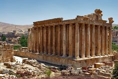 #ExpediaThePlanetD after the food fest in Beirut I'd head east to Baalbek to visit the ruins of the ancient town with amazing Roman temple