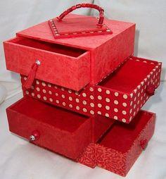 Rouge comme les coquelicots, les coccinelles, les fraises, ..... et comme la boite à bijoux pour Margaux. Selon une proposition du...