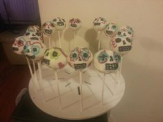 day of the dead cake pops