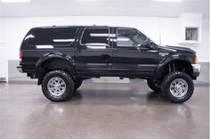 2000 Ford Excursion Limited at Lifted Trucks For Sale, Lifted Ford Trucks, Jeep Truck, Cool Trucks, Chevy Trucks, Pickup Trucks, Diesel, 2000 Ford Excursion, Expedition Vehicle