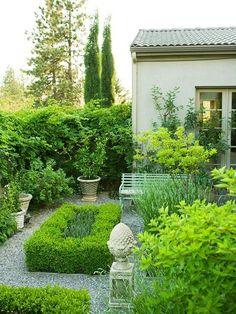 Oi amigos e amigas. Bom dia! Ao invés de falarmos de ideias de jardins, resolvemos falar de jardim de ideias, pois as imagens são muito r...