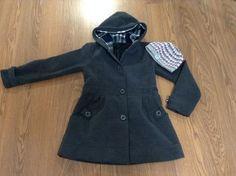 Veľmi pekný antracitový kabátik, 152