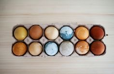 Natural Easter Egg DIY Easter Eggs, Natural, Colors, Diy, Bricolage, Colour, Do It Yourself, Nature, Color