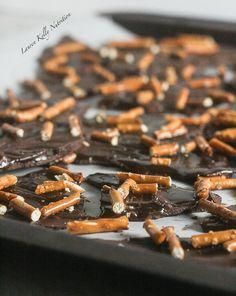 Dark Chocolate Salted Caramel Pretzel Bark #vegan #glutenfree #dairyfree