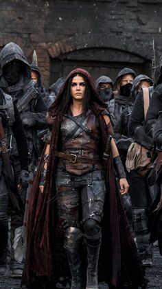Marie Avgeropoulos as Octavia Blake in The 100 (CW Marie Avgeropoulos, Fantasy Warrior, Fantasy Art, Medieval Combat, Die 100, Hippie Man, The Witcher, Halloween Tattoo, Larp