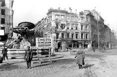 """Kálvin Tér "" Budapest  Az ostrom után Old Pictures, Old Photos, Vintage Photos, Budapest Hungary, Vintage Photography, Historical Photos, World War Ii, Monochrome, Street View"