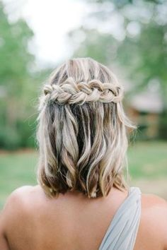 57 Unique Wedding Hairstyles For Different Necklines Short Wedding Hair Inspiration for Jenny Buckland Hair and Make up Unique Wedding Hairstyles, Trendy Hairstyles, Short Hair Bridesmaid Hairstyles, Short Haircuts, Hair For Bridesmaids, Bridesmaid Hairstyles Half Up Half Down, Bridesmaid Hair Half Up Braid, Curled Hairstyles For Medium Hair, Hairstyles 2018