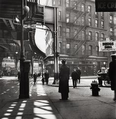 Lee Sievan Chatham Square, Where Third and Second Avenues Meet, By the Third Avenue El, New York City 1946 Photo New York, New York Photos, Old Photography, Street Photography, New York Street, New York City, Mott Street, S Bahn, Vintage New York