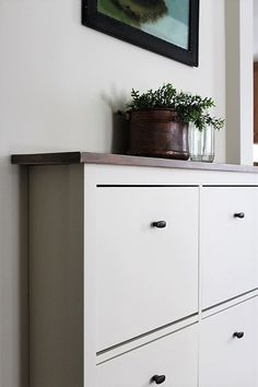 Ikea Shoe Cabinet Hack as Faux Built-in Hallway Storage I've got a before and after IKEA Shoe Cabinet hack to show you today as part of our living room update. The plan for this hack was to give it a faux built-in look and Shoe Storage Room, Shoe Storage Hacks, Shoe Storage Cabinet, Ikea Storage, Storage Ideas, Storage Baskets, Storage Spaces, Ikea Hallway, Hallway Cabinet