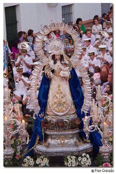 COFRADES DE ARAHAL: Hoy en Arahal Salida Procesional de la Virgen de M...