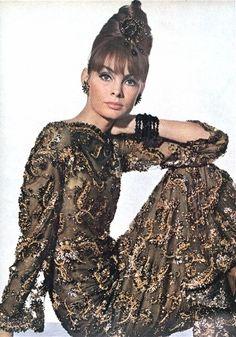 vogue-1963-dior gown