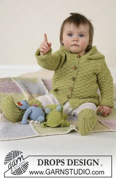 Baby Knitting Patterns Jumpsuit Green Leaf / DROPS Baby – Jacket, Panty, Pipe Flaps and Alpaca -… Baby Knitting Patterns, Knitting For Kids, Crochet For Kids, Baby Patterns, Free Knitting, Knitting Projects, Knit Crochet, Drops Design, Cardigan Bebe