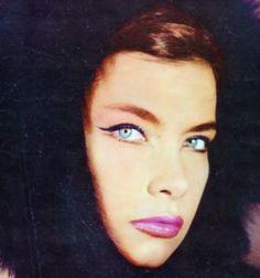 Tzeni Karezi Famous Women, Famous People, Greek Icons, Greek Girl, Old Movie Stars, Greek Culture, Old Movies, Famous Faces, Cool Eyes