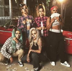 Gangster clown inspiration for a badB Halloween look - enlist your squad like the picture & coordinate your looks this Halloween Clown Halloween Costumes, Halloween Inspo, Halloween Kostüm, Couple Halloween, Halloween Outfits, Halloween Makeup, It Clown Costume, Halloween Recipe, Women Halloween