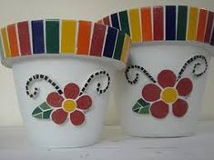 idea for mosaic Mosaic Planters, Mosaic Tray, Mosaic Flower Pots, Painted Flower Pots, Mosaic Garden, Painted Pots, Mosaic Tiles, Pebble Mosaic, Mosaic Crafts