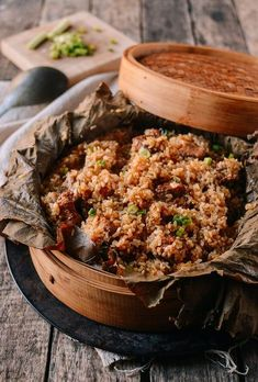 Steamed Ribs with Glutinous Rice (糯米蒸排骨) recipe by The Woks of Life Rice Recipes, Asian Recipes, Cooking Recipes, Ethnic Recipes, Chinese Recipes, Chinese Desserts, Pork Rib Marinade, Pork Ribs, Wok Of Life