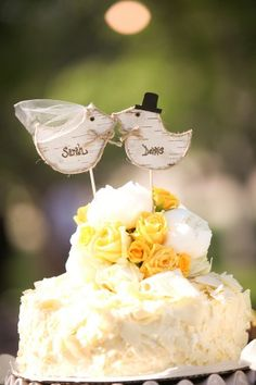 love this cake topper!
