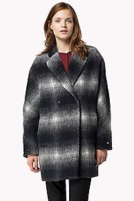 As selected by our guest editor, Alexa Chung.<br/><br/>The Yva Cocoon coat is this season's new classic. Made from a check wool blend, It is fully lined and has a regular fit with a strong shoulder. Ribbed storm cuffs hidden under the sleeve for extra warmth and comfort. <br/><br/>Our model is 1.76m and is wearing a size S coat.