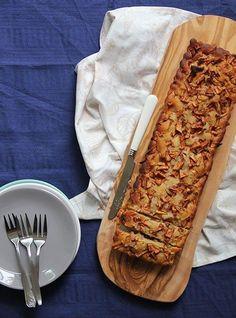 Deze heerlijke appelcake is vrij van gluten, tarwe, lactose en geraffineerde suikers.