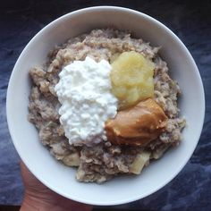 Breakie! Apple pie oatmeal with cottage cheese, pb and applesauce #Padgram