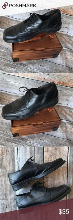 Sharp looking leather men's dress shoes 👞 Made in Italy, are these genuine Italian made leather dress shoes. Very sharp looking!  Color: black  Size 11m  Bostonian Brand  Retailed for $90  Good used condition. Clean!  Smoke/Pet free home if that's a concern. Bostonian Shoes Oxfords & Derbys