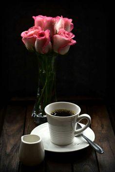 Chemex Coffee, Coffee Gif, I Love Coffee, My Coffee, Coffee Drinks, Coin Café, Fresh Roasted Coffee, Tea And Books, Good Morning Coffee