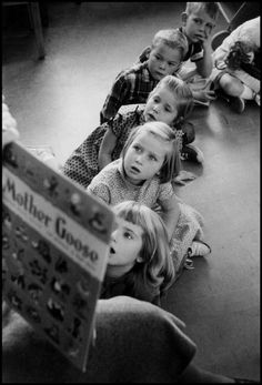 Wayne F. Miller :: From 'The World is Young', more [+] by this photographer Henri Cartier Bresson, Wayne Miller, People Reading, Vintage Children Photos, Vintage School, Cute Little Baby, Great Photographers, Magnum Photos, Photo Black