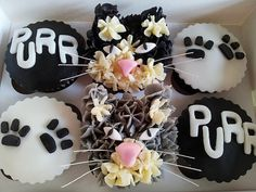 Stephanie from The Little Cake Stand created these fabulous kitty cupcakes for a very special cat lover on h. Cat Cupcakes, Animal Cupcakes, Cupcake Birthday Cake, Cupcake Cakes, Cake Pops, Sweetest Day, Little Cakes, Fun Activities For Kids, Chocolate