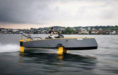 Hydros retractable hydrofoil boat