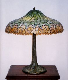 Unique Art Glass & Metal Company, Pleated Leaf Table Lamp