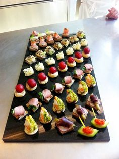 hors d'oeuvres platters by Kelly Jelic Snacks Für Party, Appetizers For Party, Appetizer Recipes, Aperitivos Finger Food, Fingers Food, Food Platters, Food Dishes, Hors D'oeuvres, Mini Foods