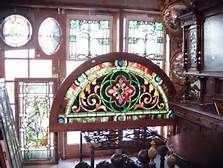 Located in Pennsylvania, Oley Valley Architectural Antiques offers both antique stained glass windows and beveled windows for sale. Contact us today for more information about our antique windows! Antique Stained Glass Windows, Stained Glass Flowers, Stained Glass Panels, Stained Glass Projects, Stained Glass Patterns, Leaded Glass, Beveled Glass, Stained Glass Art, Puzzles