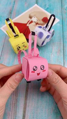 Diy Origami Travel Bag – presents for boyfriend Diy Craft Projects, Diy Crafts Hacks, Diy Crafts For Gifts, Diy Arts And Crafts, Diy Crafts Videos, Diy Origami, Paper Crafts Origami, Origami Tutorial, Simple Origami