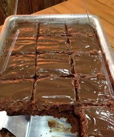 O bolo Nega Maluca de Liquidificador é fácil de fazer, fofinho e delicioso. Faça…