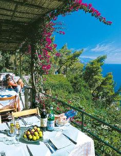 Le Grottelle - Restaurants - Capri, Italy Amazing food (spaghetti with clams and fritto misto was out of this world) and the prettiest views ever. Places In Italy, Oh The Places You'll Go, Places To Travel, Places To Visit, Beautiful World, Beautiful Places, Amalfi Coast, Dream Vacations, Italy Travel