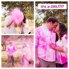 Pink Powder For Gender Reveal Gender Reveal Powder Bomb, Gender Reveal Paint, Gender Reveal Smoke, Gender Reveal Photos, Baby Shower Gender Reveal, Baby Gender, Gender Reveal Photography, Holi, Color Powder