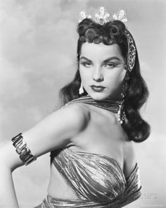 American actress Debra Paget stars as Egyptian Princess Shalimar in 'Princess of the Nile', directed by Harmon Jones, Get premium, high resolution news photos at Getty Images Old Hollywood Style, Hollywood Fashion, Vintage Hollywood, Hollywood Glamour, Classic Hollywood, Hollywood Actresses, Hollywood Stars, Vintage Glamour, Vintage Beauty