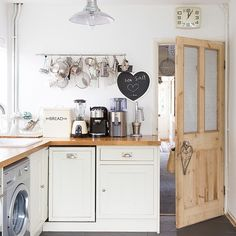 White compact country-style kitchen   Decorating