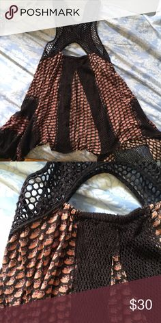 Free People tank top dark net at the top and sides, print Free People Tops Tank Tops