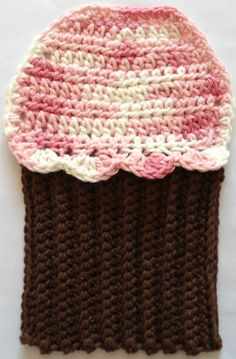 "Free pattern for ""Cute Cupcake Dishcloth""!"