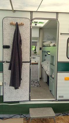 caravan interior 391391023870905491 - Source by PatenteDeern Diy Caravan, Caravan Home, Camper Caravan, Caravan Vintage, Vintage Travel, Vintage Airstream, Vintage Campers, Vintage Caravan Interiors, Vintage Caravans