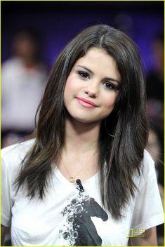 ♥  selena gomez | hair and makeup