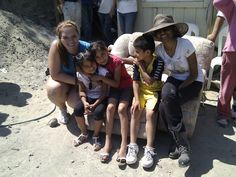 Lovely local kids with our U.S. volunteers. Aren't they cute? :) #nonprofit #charity #corazon