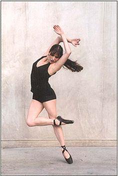 Google Image Result for http://balletarts.files.wordpress.com/2010/03/contemporary20ballet.jpg
