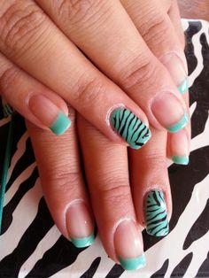 Uñas acrílicas decoradas con francesa y animal print de zebra en tono turquesa Más trabajos en http://www.facebook.com/patriciajimeneznails  #nails #nailart #nailpolish #uñas #manicura #manicure